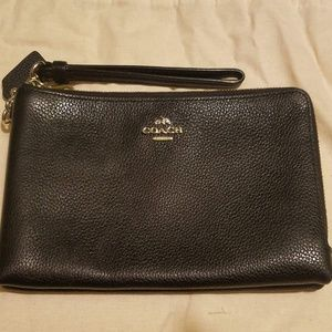 AUTHENTIC COACH ACCORDION PEBBLED LEATHER WALLET